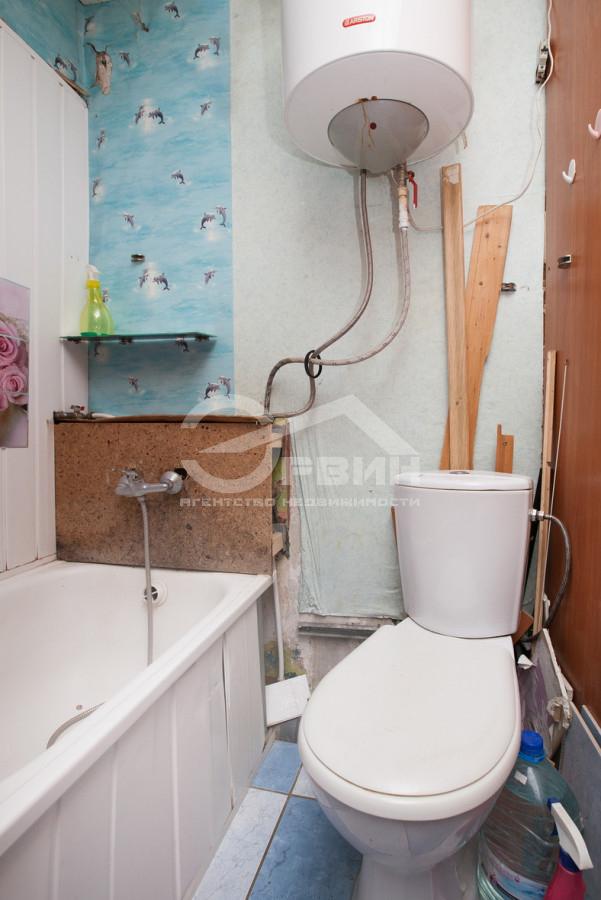 Квартира на продажу по адресу Россия, Калининградская область, Калининград, Маршала Борзова, Улица, 56